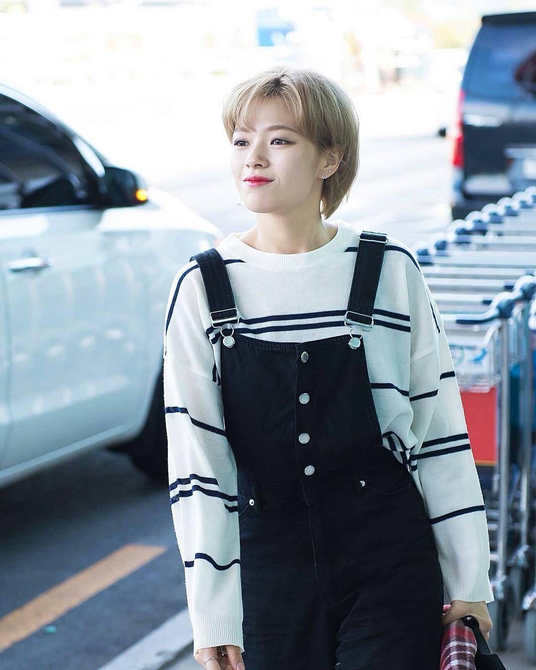 phong cách thời trang của Jungyeon 15
