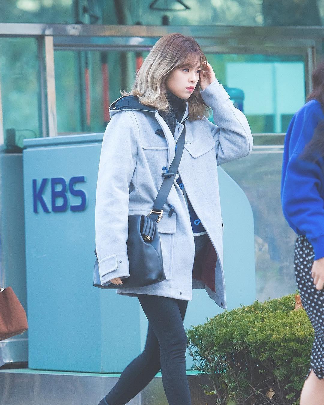 phong cách thời trang của Jungyeon 6
