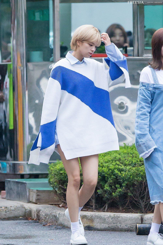 phong cách thời trang của Jungyeon 21
