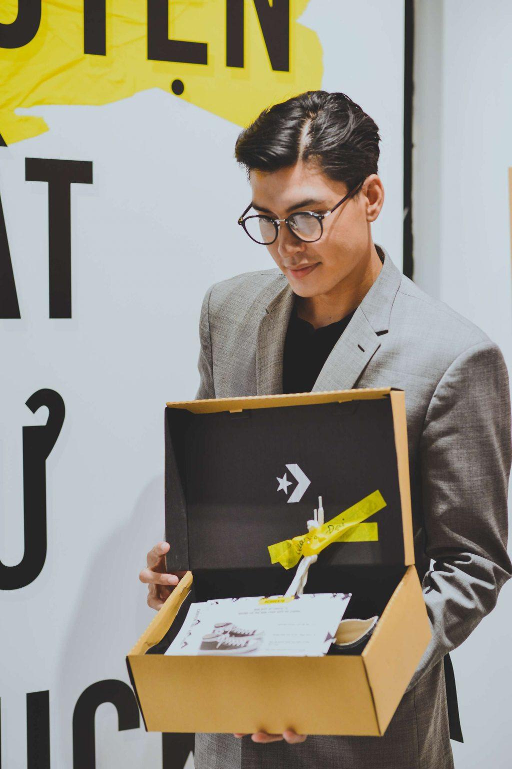 """Trần Quang Đại cùng Converse kể chuyện tại bữa tiệc Chuyện Thật Như """"Chucks"""" 6"""