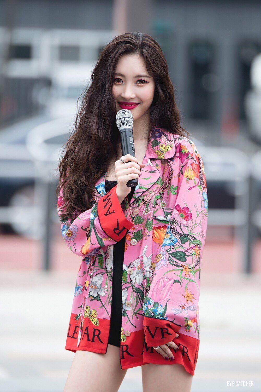 Sao Hàn nào đại diện cho phong cách thời trang của bạn? 15