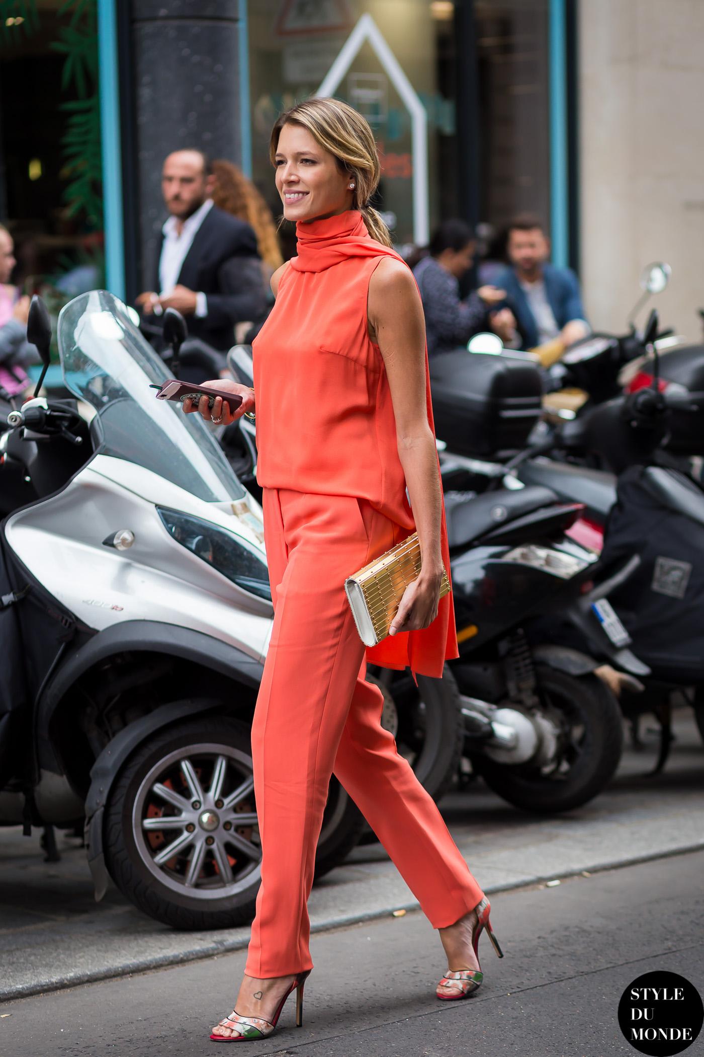 trang phục màu cam san hô 3