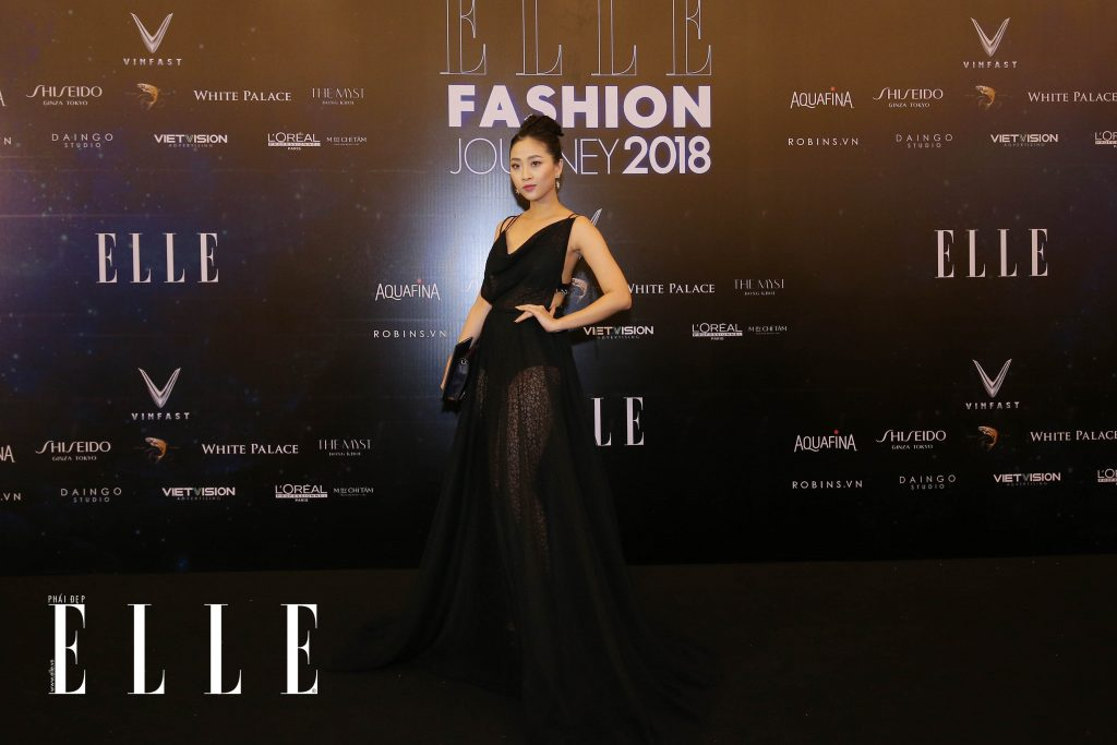 ELLE Fashion Journey tham do 15