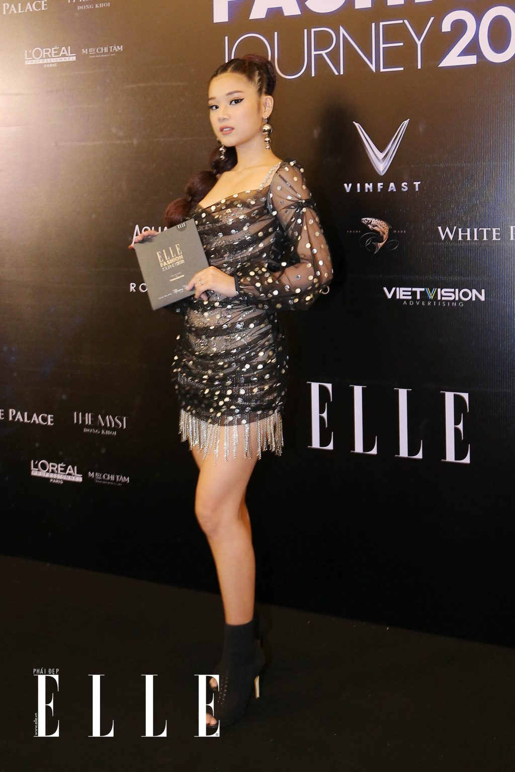 ELLE Fashion Journey tham do 16