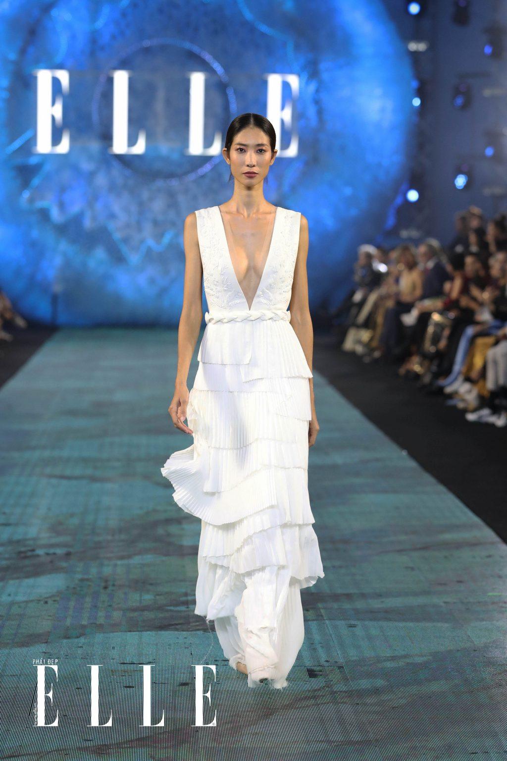 xu huong trang diem thong linh san dien elle fashion journey 2018 03