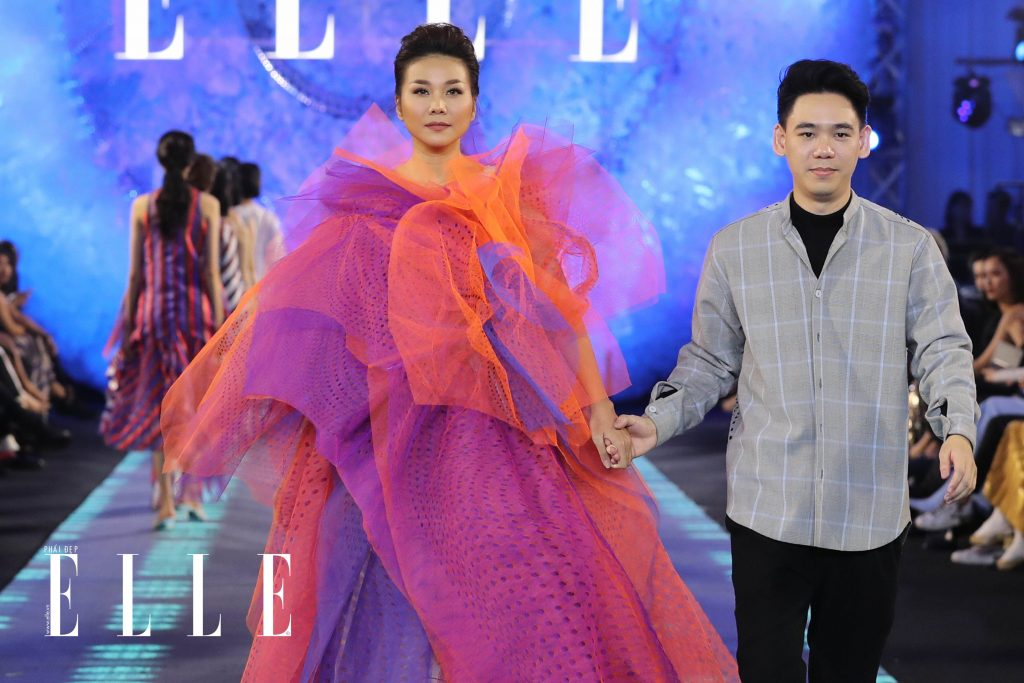 xu huong trang tu nhien diem thong linh san dien elle fashion journey 2018 11