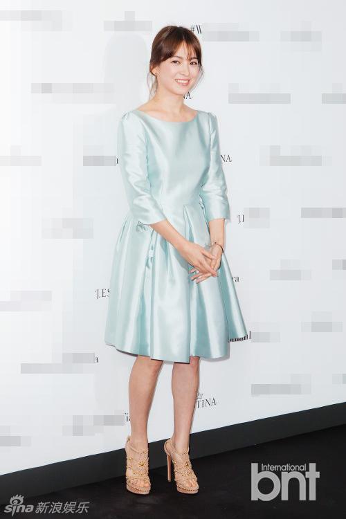 phong cách thời trang của Song Hye Kyo 9