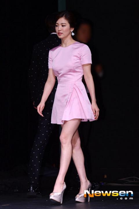 phong cách thời trang của Song Hye Kyo 8