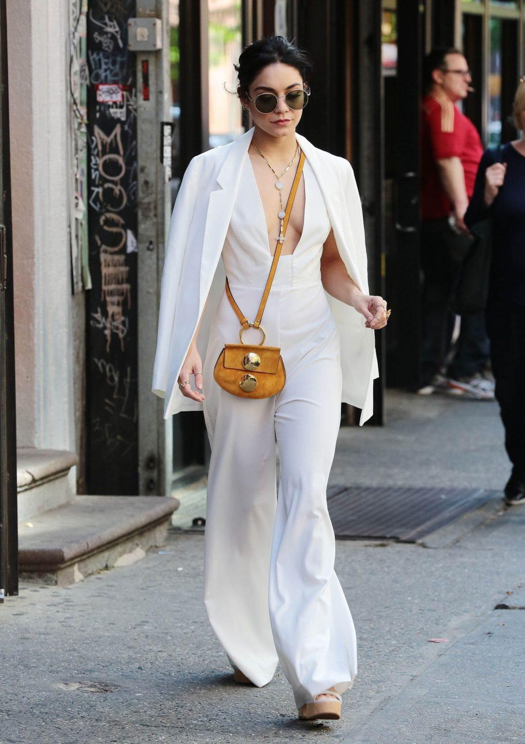 phối trang phục đẹp công thức white on white 12