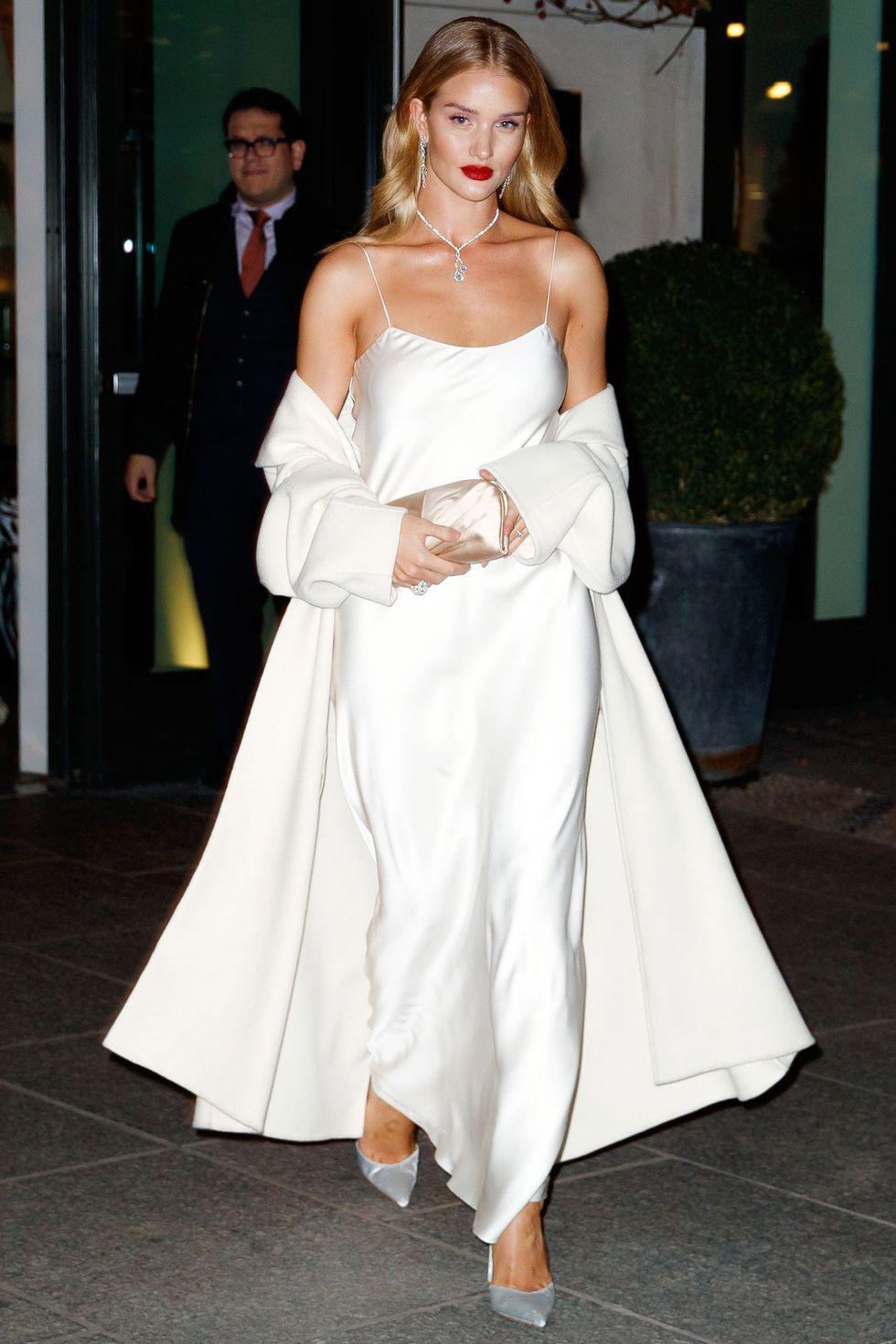 phối trang phục đẹp công thức white on white