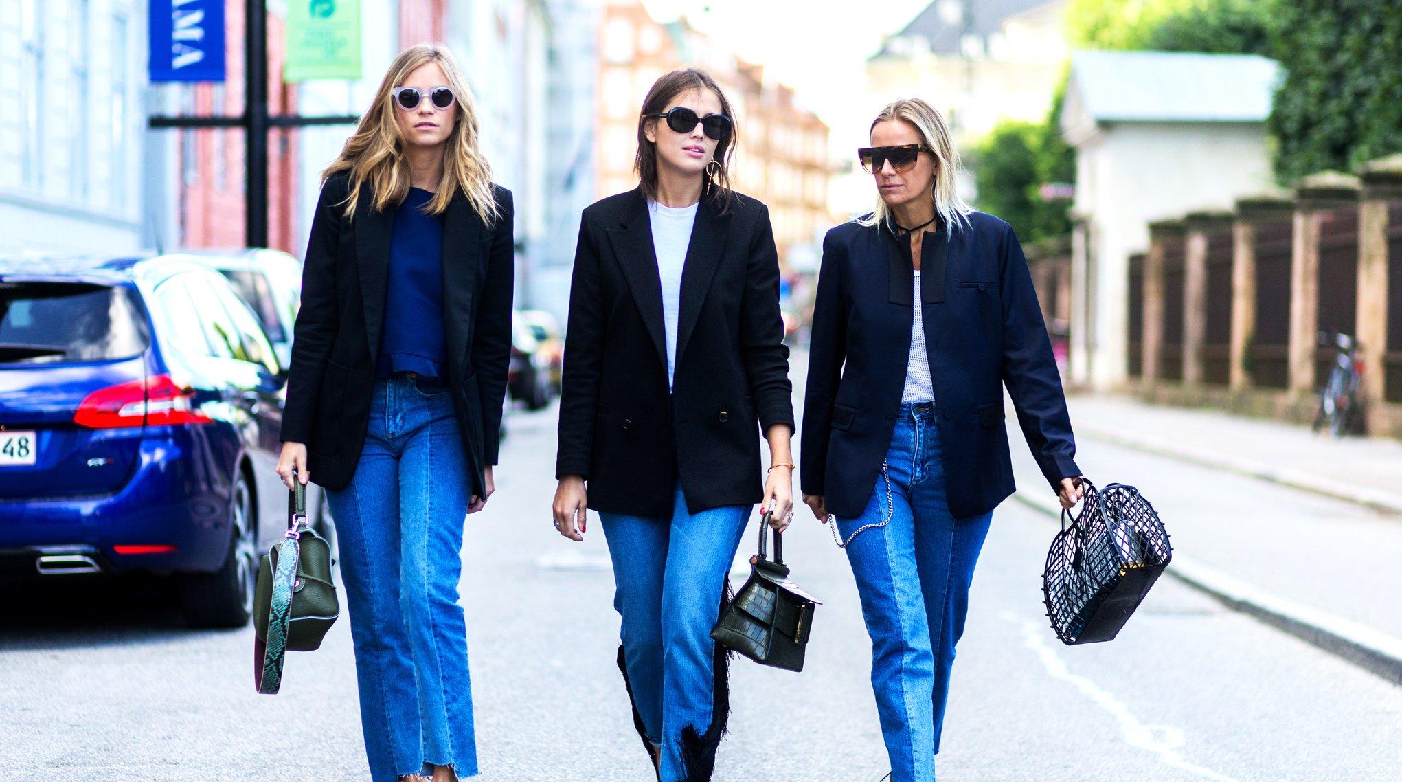 phong cách thời trang Lagom fashionista mặc jeans và blazer