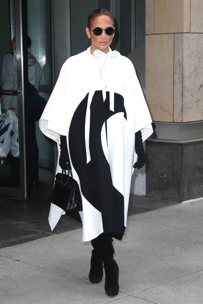 áo khoác mùa Đông Jennifer Lopez 6