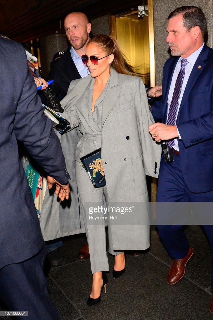 áo khoác mùa Đông Jennifer Lopez 5