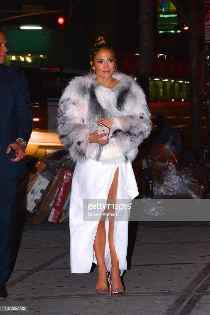 áo khoác mùa Đông Jennifer Lopez 9
