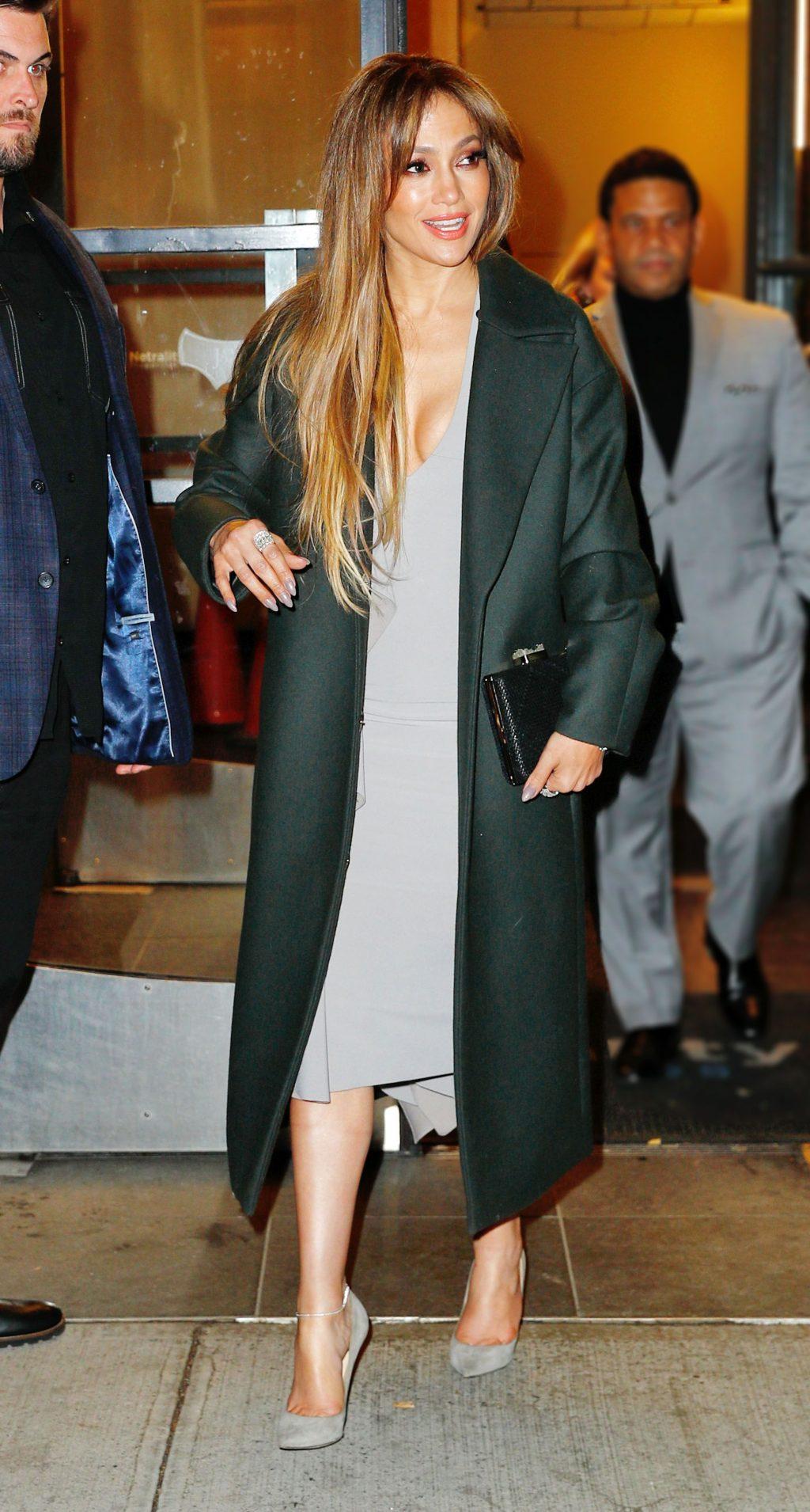 áo khoác đẹp gắn liền với Jennifer Lopez 1