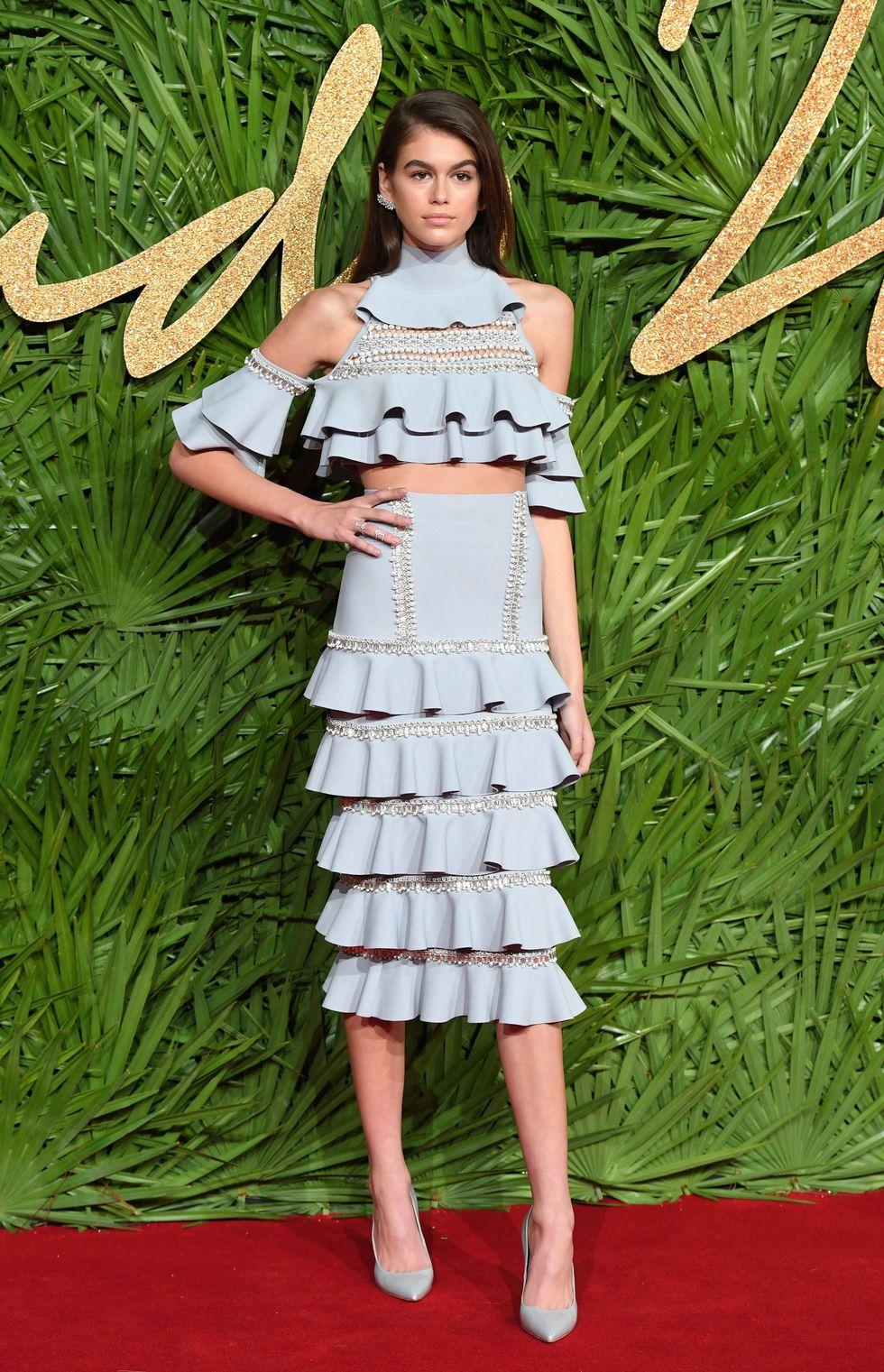 phong cách thời trang người mẫu Kaia Gerber 14