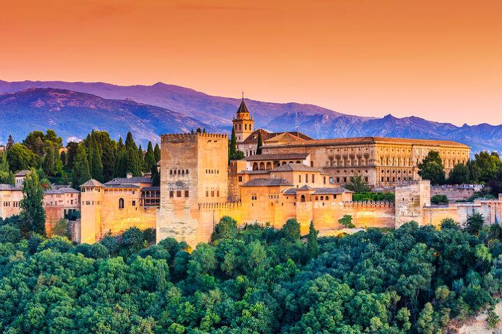 thời trang trong phim ký ức Alhambra 2