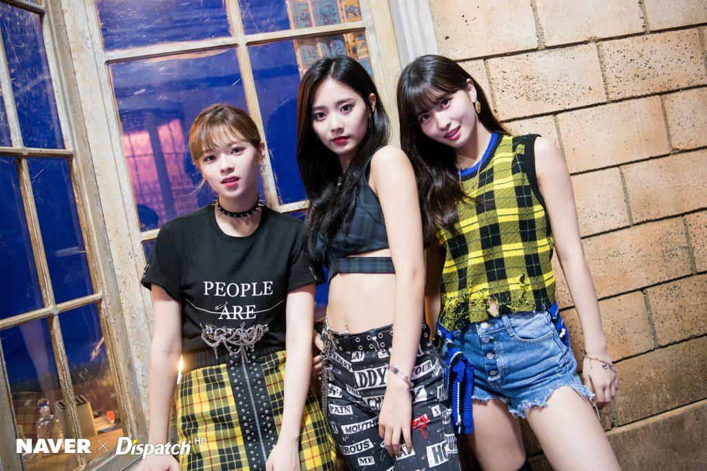phong cách thời trang trong MV KPOP 2018 15