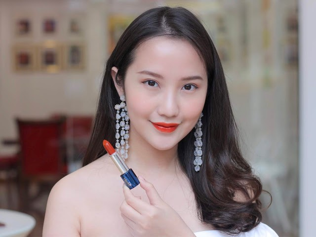 6 sắc son collagen Lip On Lip Charm Galaxy Edition 2