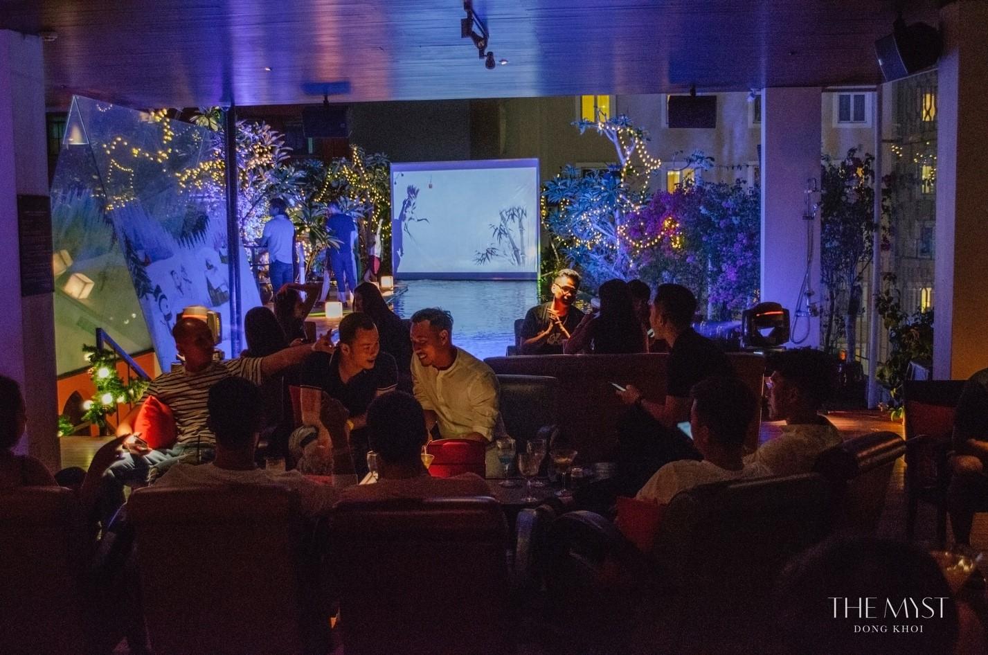 The Myst Đồng Khởi tiệc năm mới 10