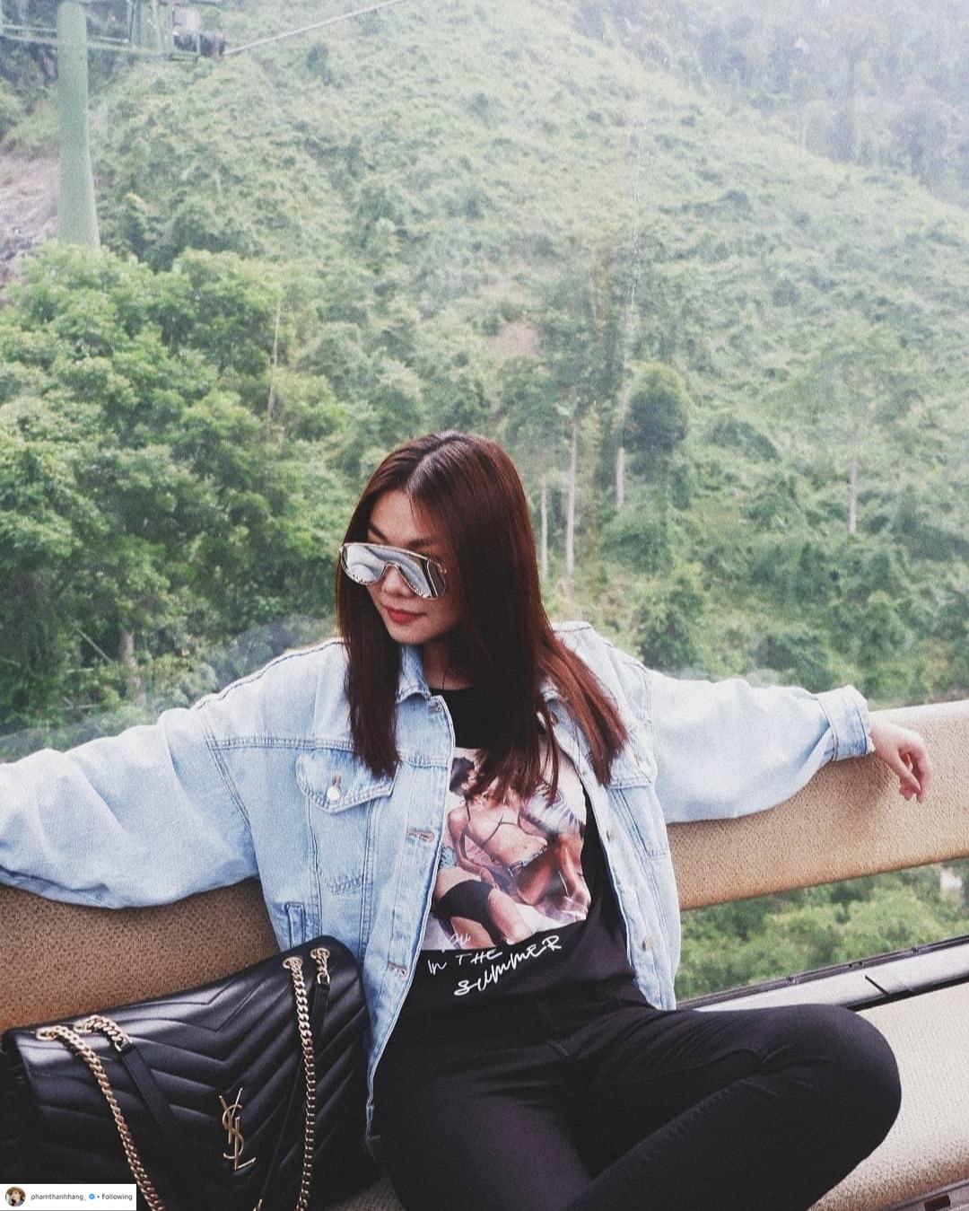 Thời trang du lịch tinh giản của sao Việt 6