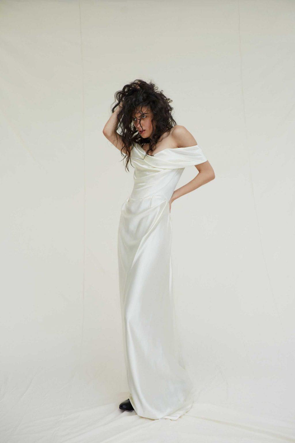 váy cưới của Miley Cyrus 2