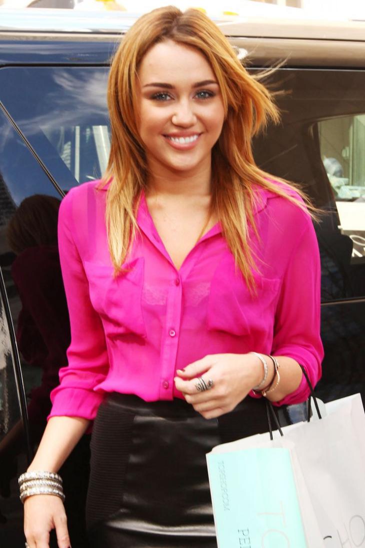 06 mái tóc và chuyện tình yêu của Miley Cyrus