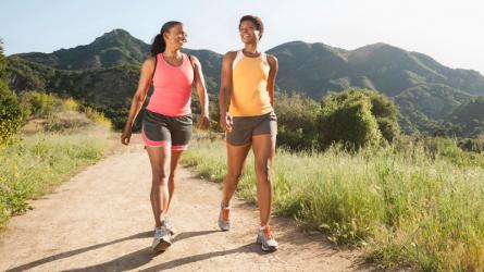 Khám phá 10 lợi ích về sức khỏe khi bạn đi bộ mỗi ngày