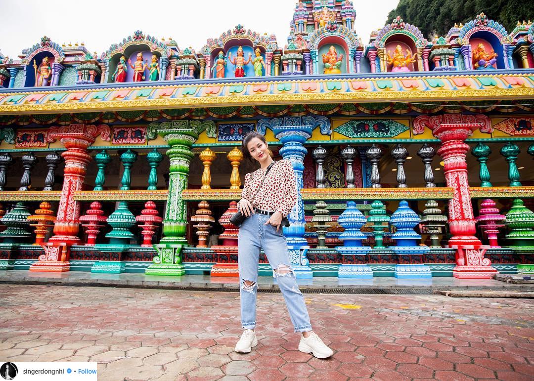 quần jeans đông nhi 2