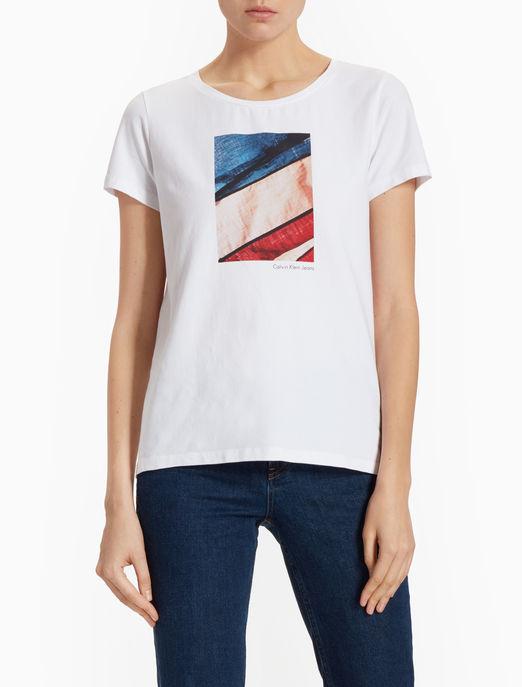 Đón cơn lốc ưu đãi từ thương hiệu Calvin Klein 4