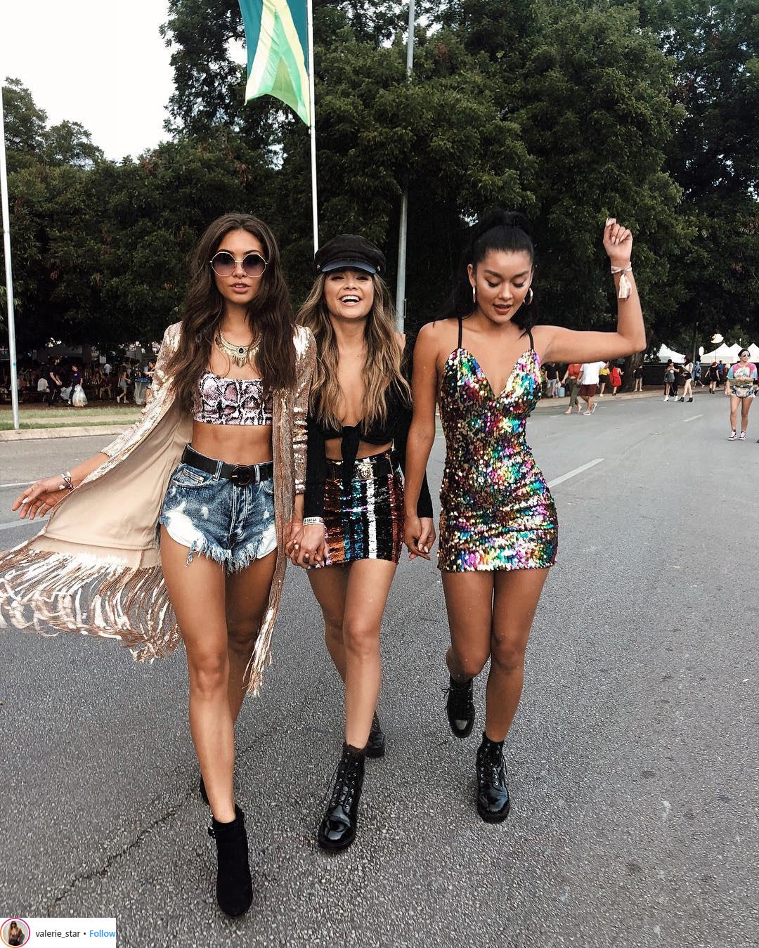 Phong cách thời trang phóng khoáng đầy mê hoặc của các cô gái Los Angeles