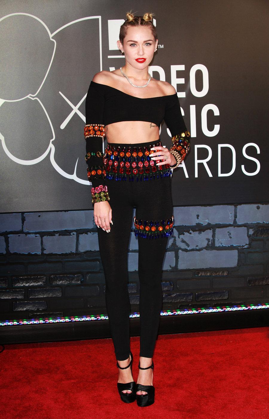 sự thay đổi phong cách thời trang Miley Cyrus 23