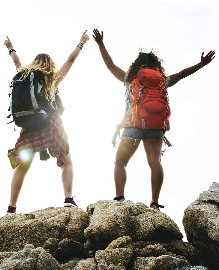Đi bộ đường dài vừa thú vị lại giúp cơ thể săn chắc, hẳn sẽ được bạn liệt kê vào danh sách những bài tập thể dục đơn giản nhưng hiệu quả.