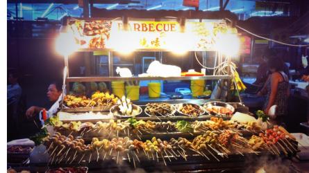 """5 khu ẩm thực ngon nhất cho hội """"sành ăn"""" khi du lịch Kuala Lumpur"""