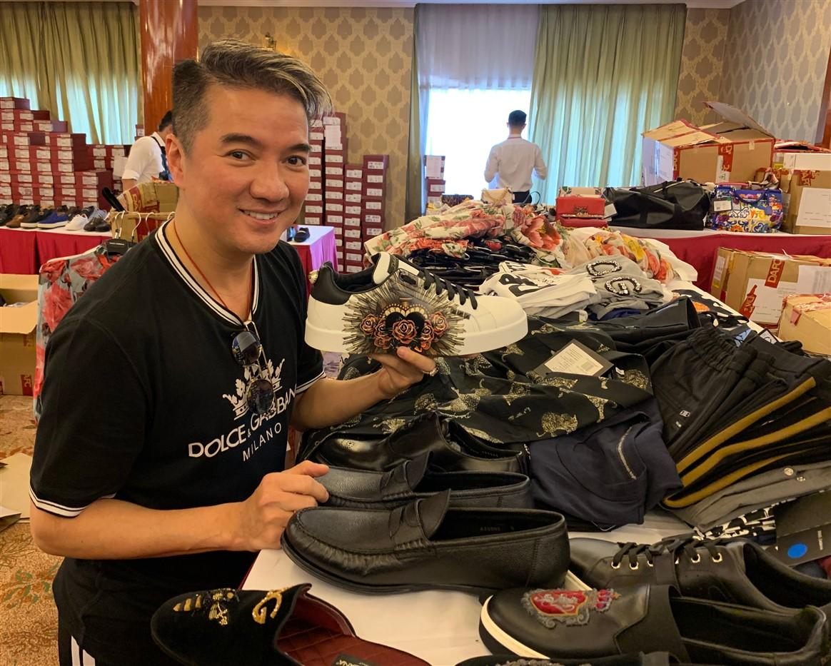 những sao Việt là fan cứng của Private Sale 2