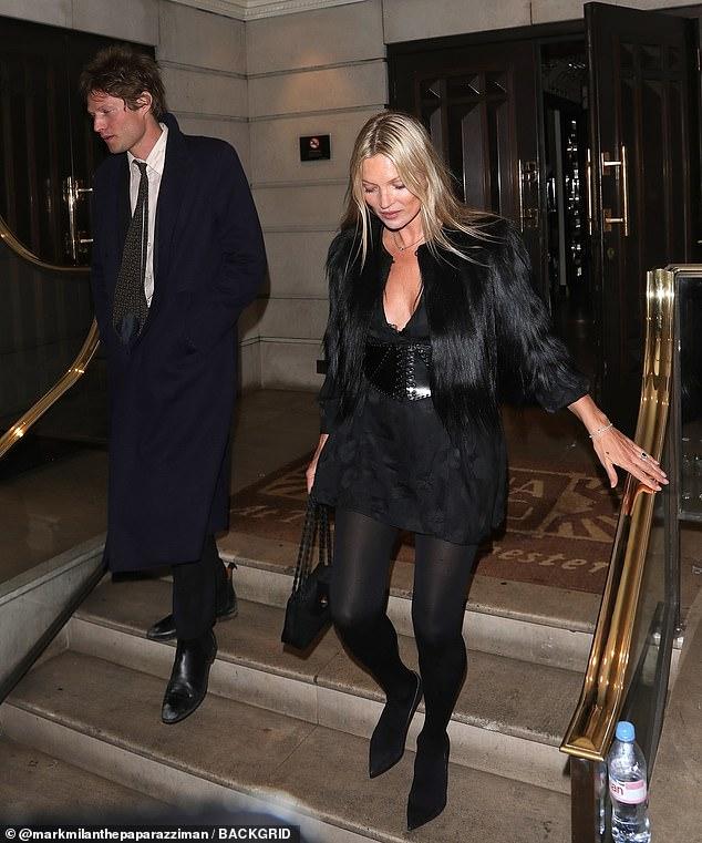 phong cách thời trang siêu mẫu Kate Moss 20