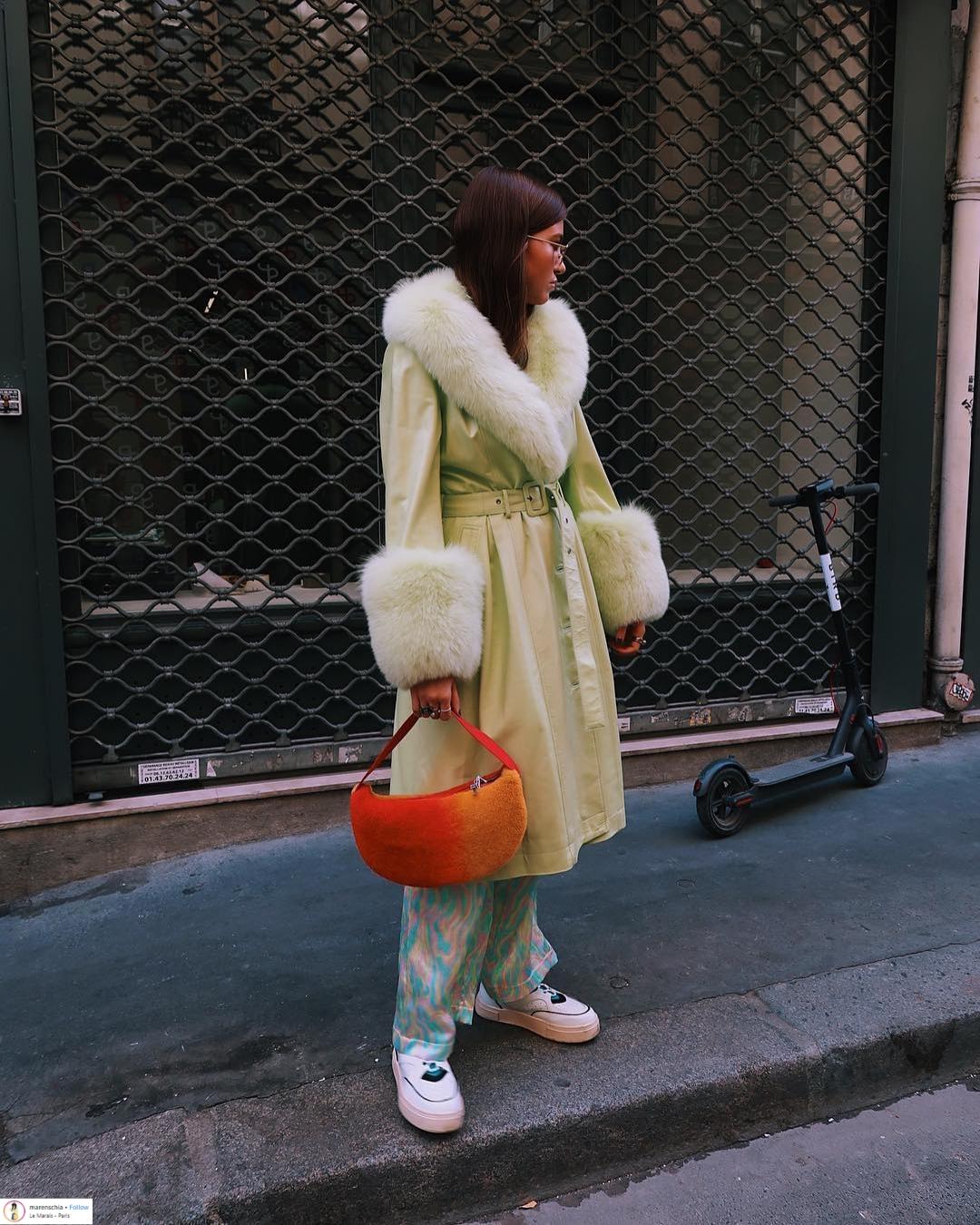 """Áo khoác viền lông – Xu hướng thời trang đang """"thống trị"""" mạng xã hội Instagram 8"""