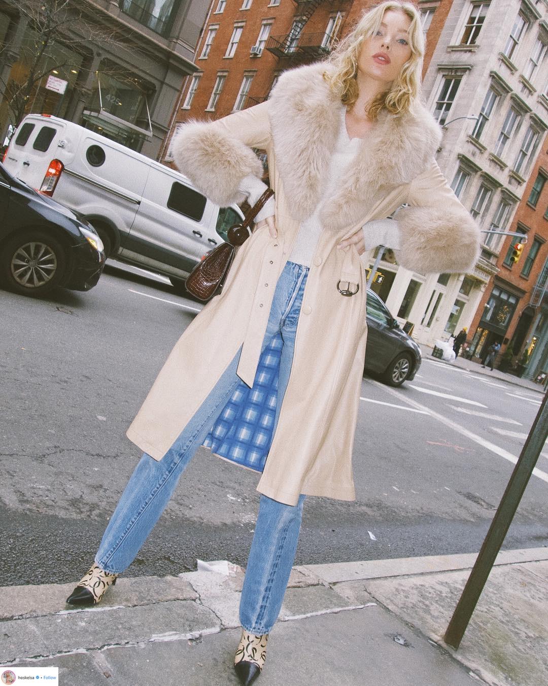 """Áo khoác viền lông – Xu hướng thời trang đang """"thống trị"""" mạng xã hội Instagram"""