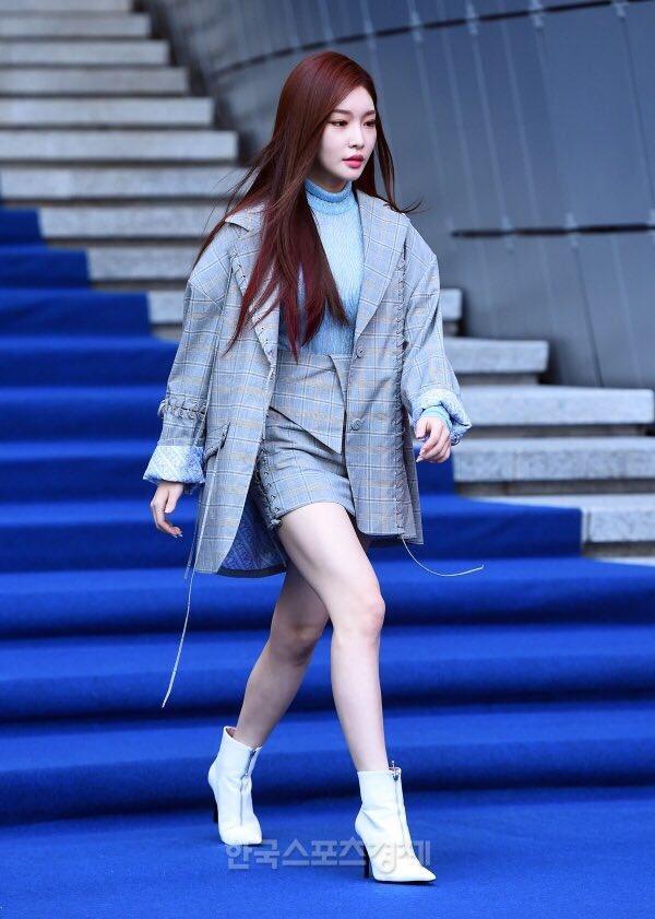 phong cách thời trang Kim Chung Ha 17