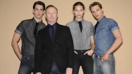 Làng mốt xôn xao: Kevin Carrigan sẽ trở lại vị trí giám đốc sáng tạo Calvin Klein mà Raf Simons để trống?