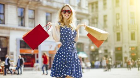 Bí quyết mua sắm quần áo hiệu quả giữa