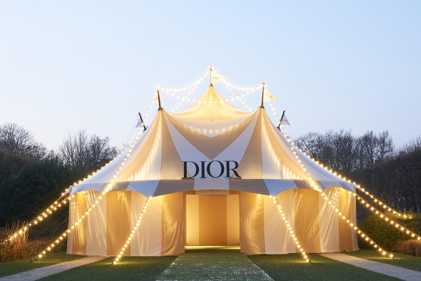 không gian bst dior haute couture