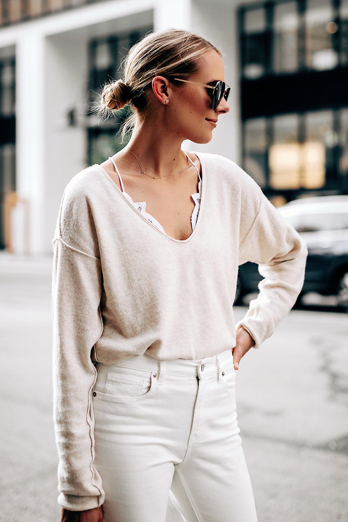 áo bralette mặc bên trong áo thun tay dài