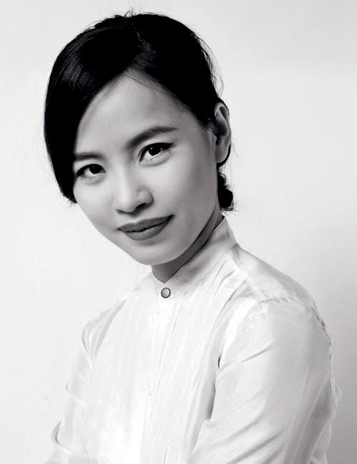 NTK Victoria Huyền Nguyễn lụa tơ tằm 3
