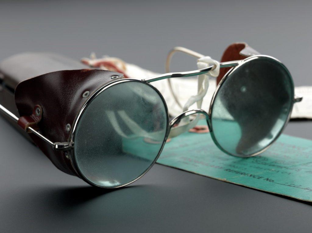 Lịch sử kính mắt thời trang kính phi công