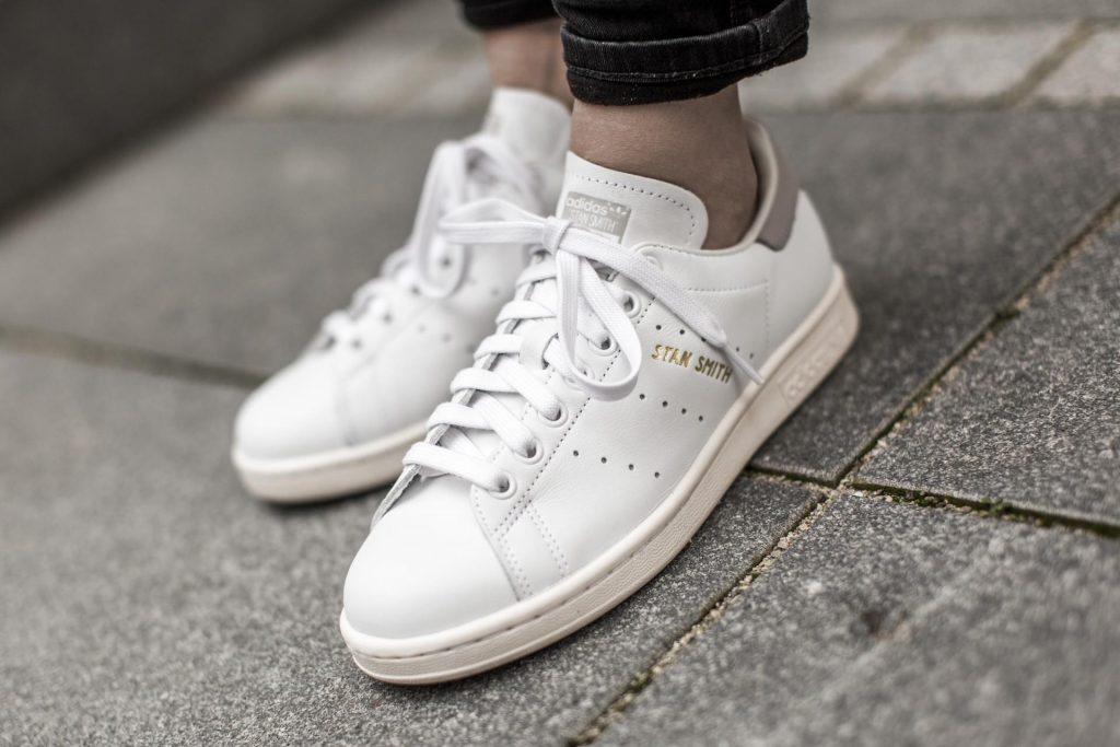 Tên đôi giày thể thao stan smith