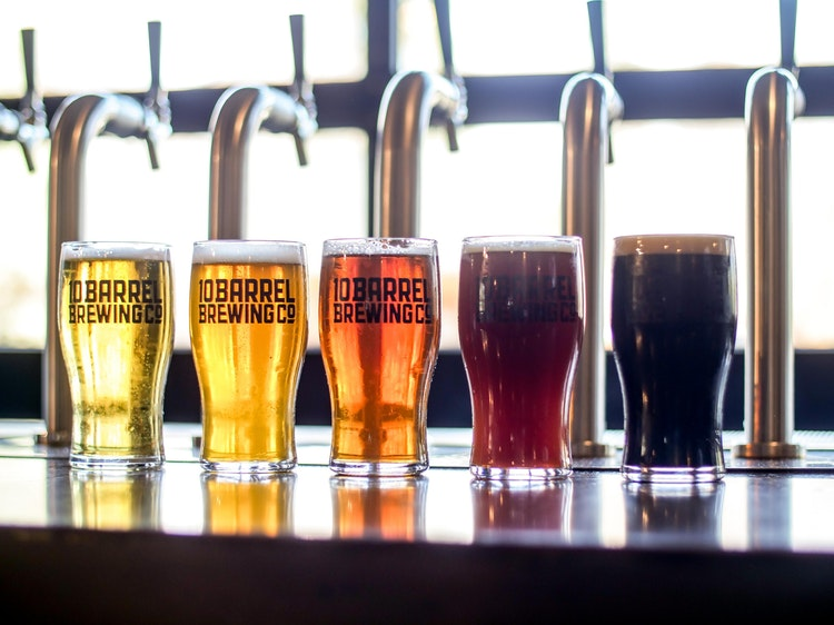 Chọn bia sáng màu giúp giữ dáng