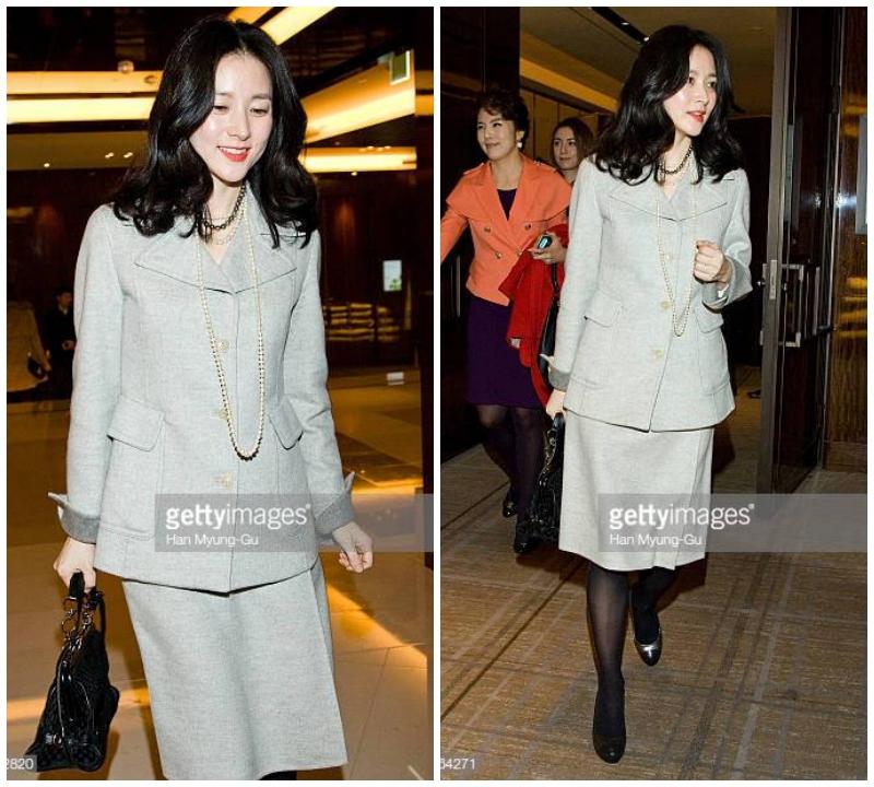 Lee Young Ae sang trọng nhưng vẫn nữ tính trong bộ suit vest kết hợp với váy (Nguồn Ảnh: Gettyimage)