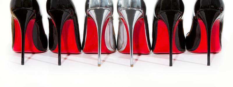 Ý nghĩa sắc đỏ mang đến cho trang phục màu đỏ 4