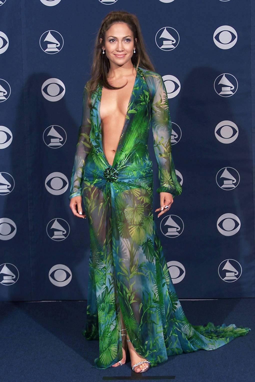 Thời trang thảm đỏ Grammy J.Lo